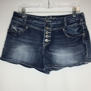 amethyst 11 button fly jean shorts